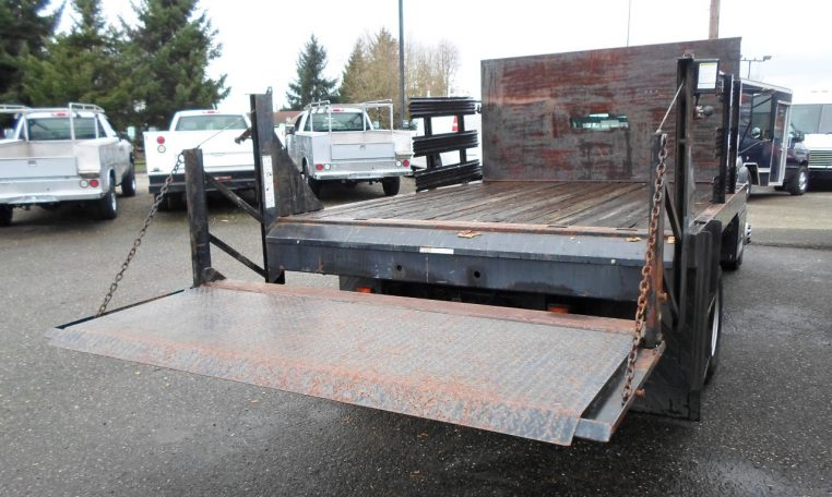 Thumbnail : 2003 CHEVROLET  C3500 HD STAKESIDE FLATBED 8377_SAM_1274-Medium-762x456