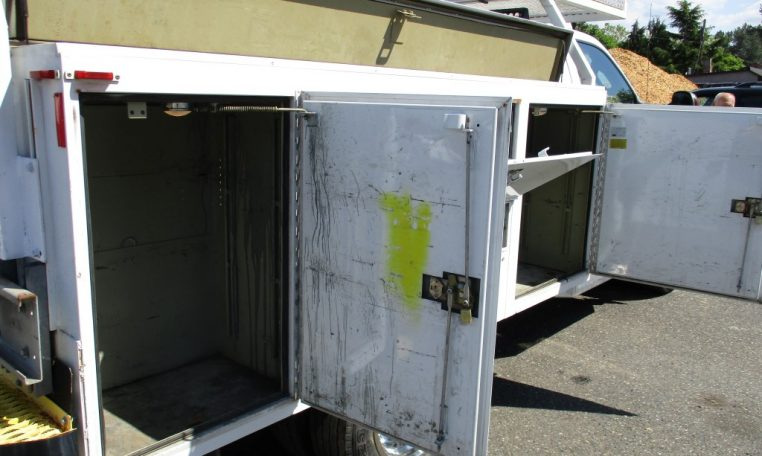 Thumbnail : 2006 FORD F-450 SERVICE UTILITY BOX TRUCK 9 FT. 8614_IMG_0860-Medium-762x456
