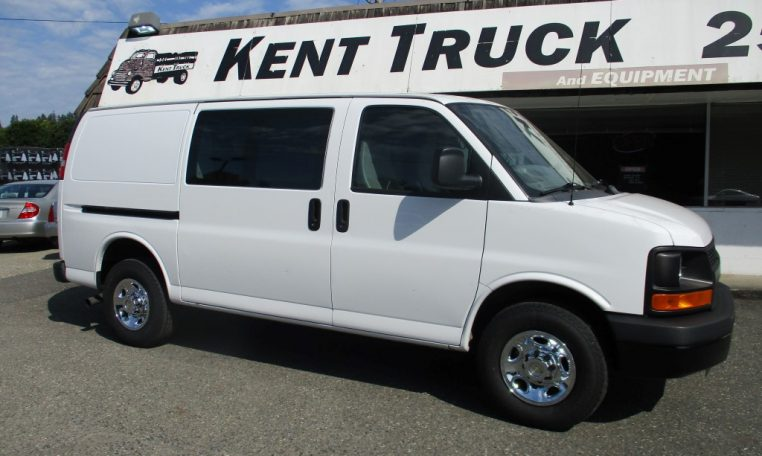 Thumbnail : 2012 CHEVROLET G2500 CARGO VAN 8644_IMG_1107-Medium-762x456