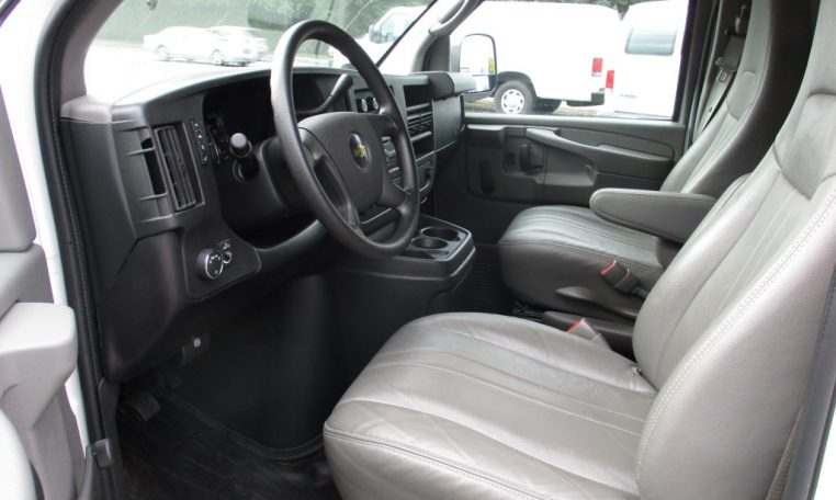 Thumbnail : 2011 CHEVROLET G1500 CARGO VAN 8656_IMG_1165-Medium-762x456