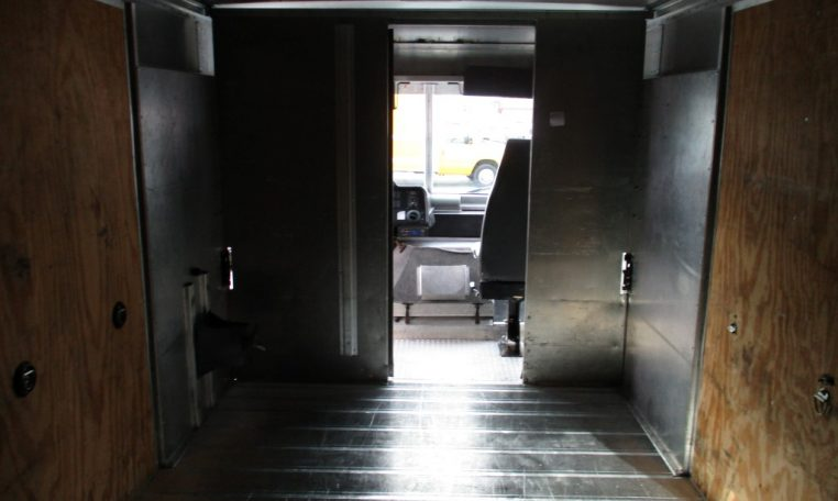 Thumbnail : 2008 FORD E-450 STEP VAN 14 FT. 8659_IMG_1325-Medium-762x456