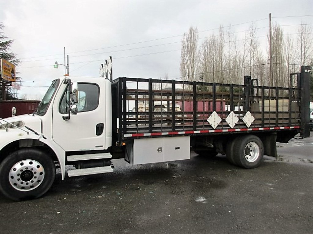 2005 FREIGHTLINER BUSINESS CLASS M2 FLATBED 8330_IMG_2441-Medium-762x456