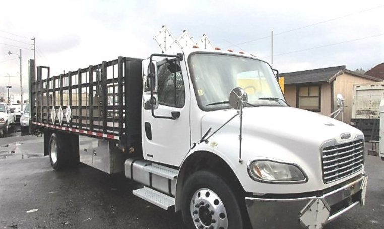Thumbnail : 2005 FREIGHTLINER BUSINESS CLASS M2 FLATBED 8330_IMG_2446-Medium-762x456