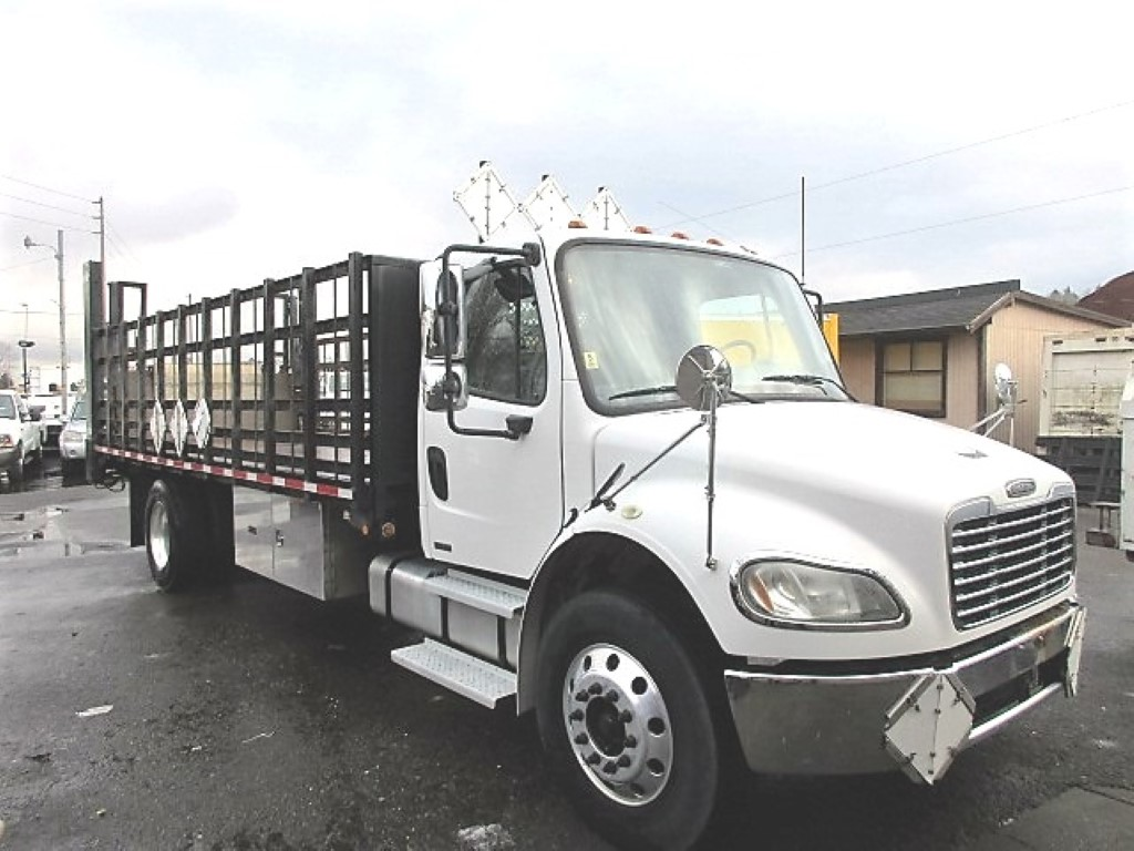 2005 FREIGHTLINER BUSINESS CLASS M2 FLATBED 8330_IMG_2446-Medium-762x456