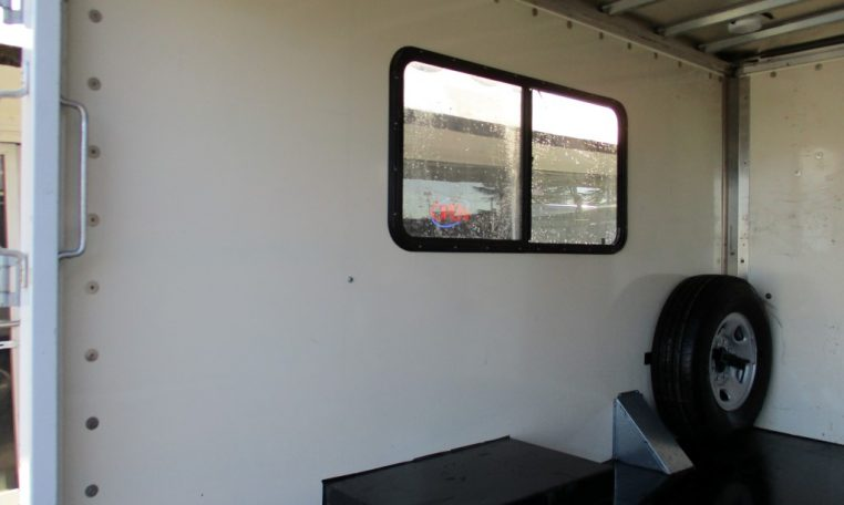 Thumbnail : 2009 CHEVROLET G3500 BOX TRUCK 10 FT. 8570_IMG_0213-Medium-762x456
